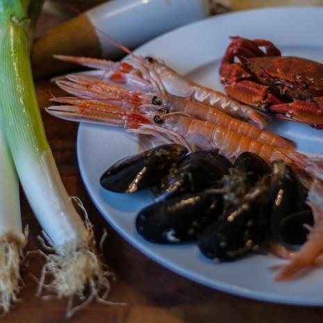 mara catering servicio de catering madrid eventos empresa bodas receta Crema de Nécoras y Cigalas con ravioli de marisco